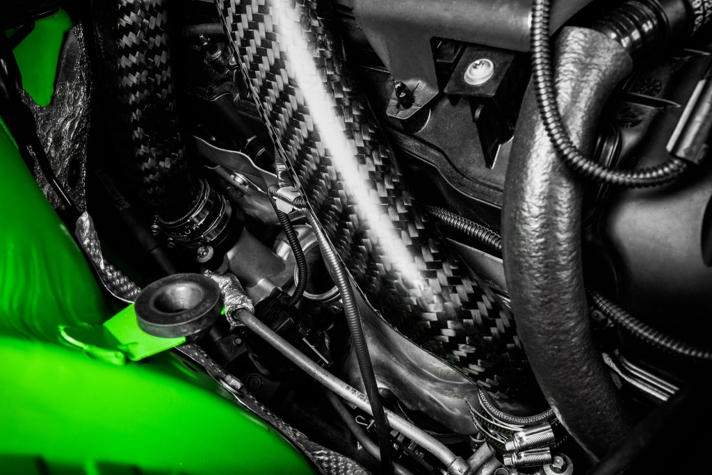 F8x S55 Carbon Fiber Charge Pipes-4